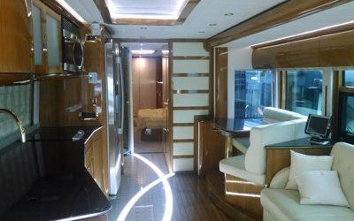 U.S.-Anwalt gewinnt durch Klage 1.200.000,00 USD Luxus- Bus zurück