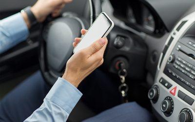 Autounfall in Florida – Deutsches Ehepaar erleidet Verletzungen, weil amerikanischer Autofahrer beim Fahren textet